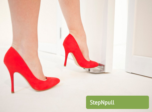 Stepnpull Foot Handle
