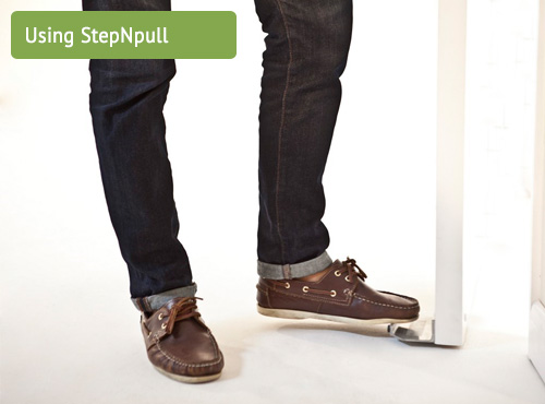 Using Stepnpull Foot Handle